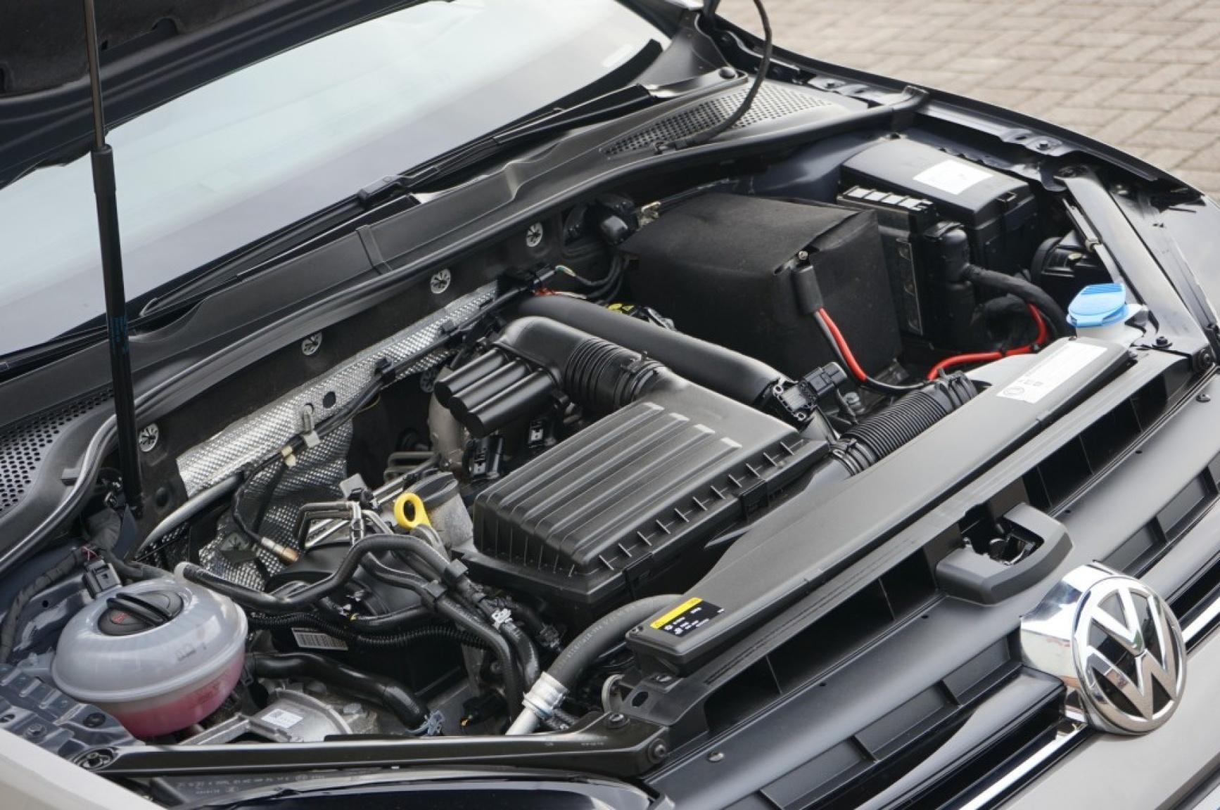 Volkswagen-Golf-49