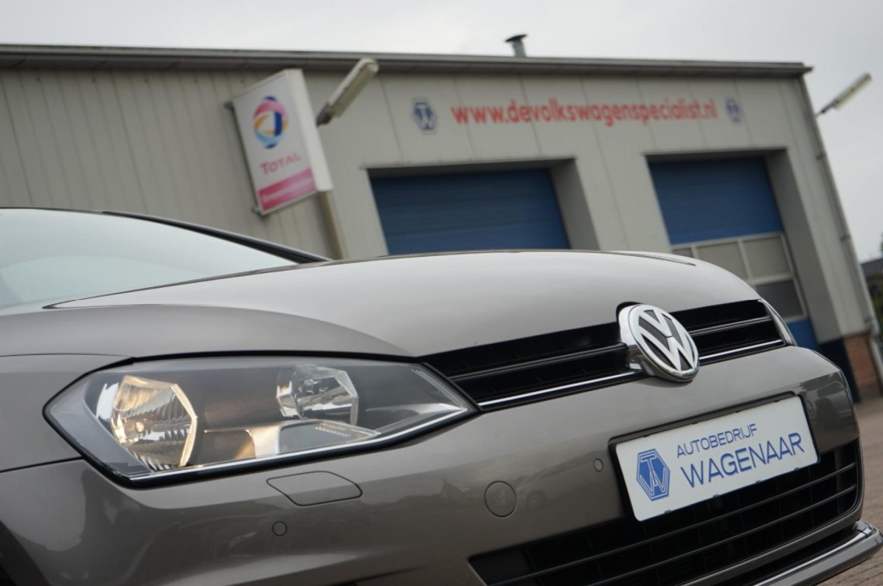 Volkswagen-Golf-56