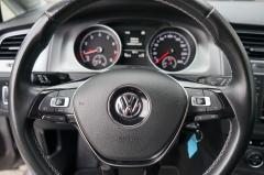 Volkswagen-Golf-30