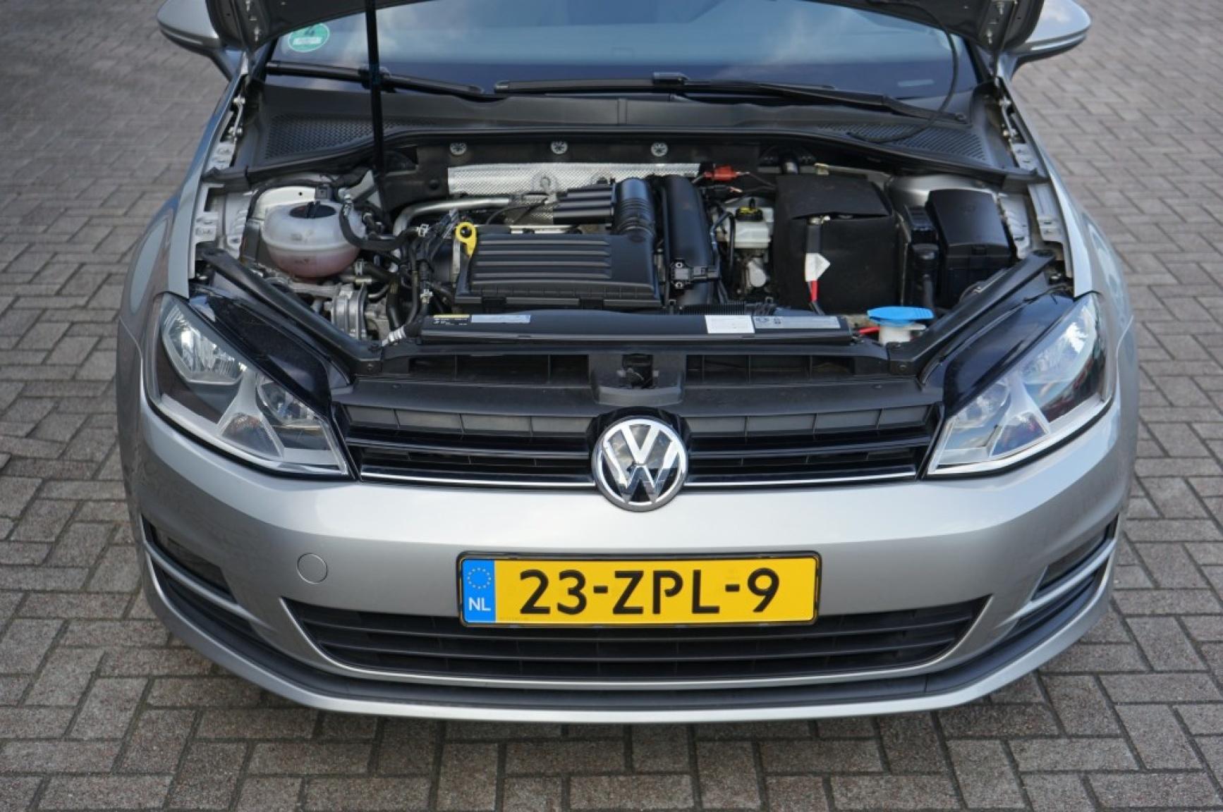 Volkswagen-Golf-45
