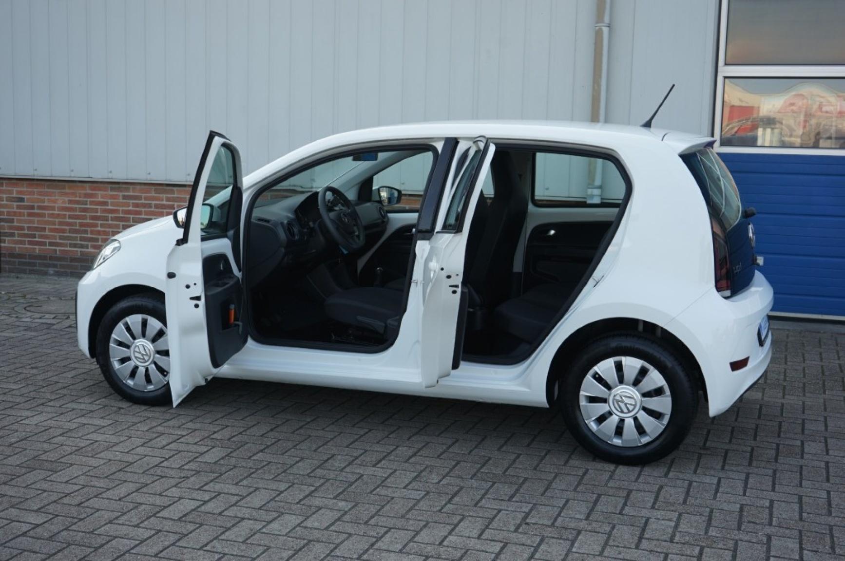 Volkswagen-Up-19