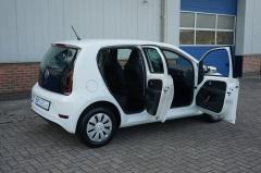 Volkswagen-Up-21