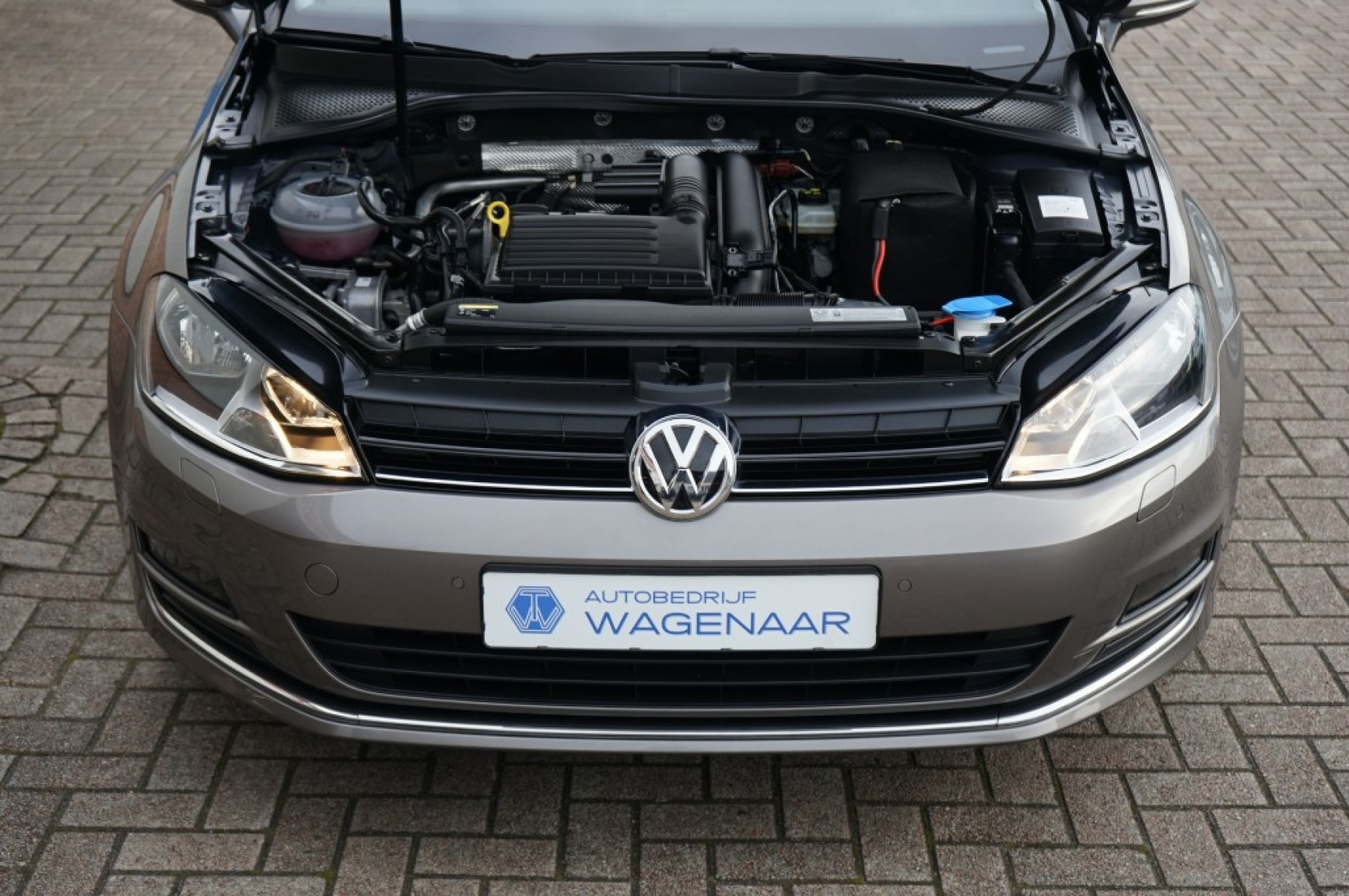Volkswagen-Golf-50