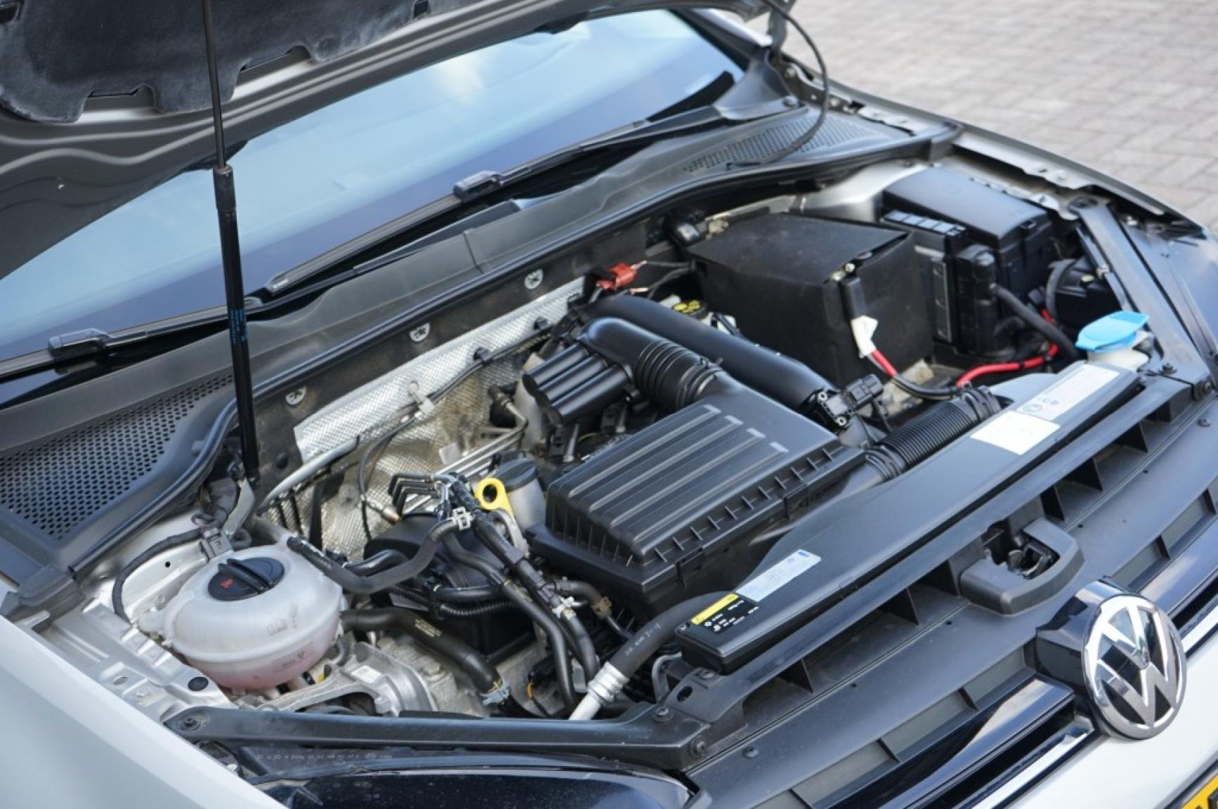 Volkswagen-Golf-46